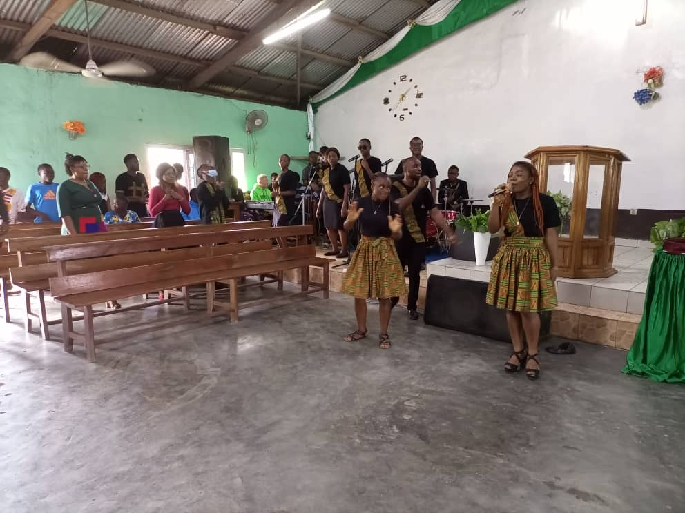Soppo Field Music Ministers Hail Jesus As King